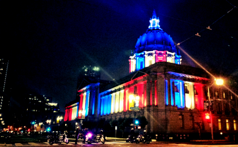san francisco city hall lit up